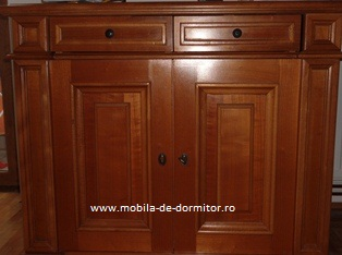 comoda pentru dormitor din lemn masiv