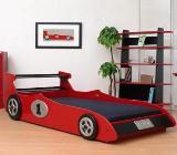 dormitor bait cu pat masinuta